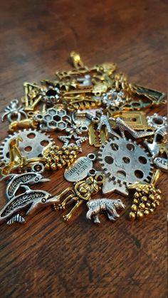 Fascino e Mix di perle 50 Charms Mixed Silver e di beadingshaz