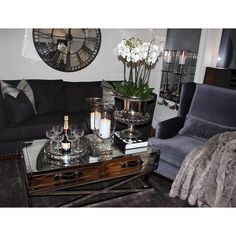 San Francisco Salongbord glam/stål (120 cm)  https://classic-living.no/collections/bord/products/san-francisco-salongbord120