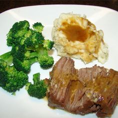 Beef stew, beef stroganoff, slow cooker pot roast: find the best beef recipes, including hundreds of ways to cook ground beef for tonight's dinner. Pot Roast Recipes, Meat Recipes, Cooking Recipes, Yummy Recipes, Yummy Food, Healthy Recipes, Pressure Cooker Pot Roast, Pressure Cooker Recipes
