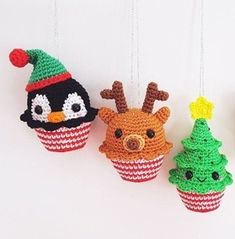 25 Crochet Christmas Patterns to Try - A More Crafty Life Crochet Stocking, Christmas Stocking Pattern, Crochet Christmas Ornaments, Crochet Ornament Patterns, Christmas Crochet Patterns, Crochet Blanket Patterns, Small Christmas Stockings, Cute Christmas Gifts, Christmas Decor