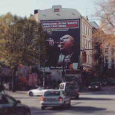 He's not world but Kiez famous... #Hamburg #Reeperbahn #stpauli #Astra #InkassoHenry #billboard