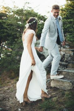 Boho chic: http://www.stylemepretty.com/rhode-island-weddings/2015/06/10/boho-chic-wedding-in-rhode-island/ | Photography: Paige Jones - http://paigejones.us/