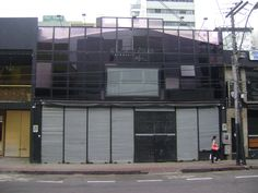 Bar fechado na R. Manoel Gonçalves Carneiro