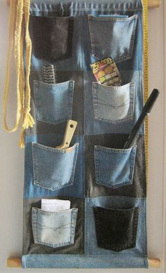 Jeans Wall Pockets by on DeviantArt - Jeans Wall Pockets by on DeviantArt Dont throw away old jeans that are torn. I plan on making this for the tack room of the horse trailer! Diy Jeans, Jean Crafts, Denim Crafts, Fabric Crafts, Sewing Crafts, Sewing Projects, Artisanats Denim, Jean Diy, Denim Ideas