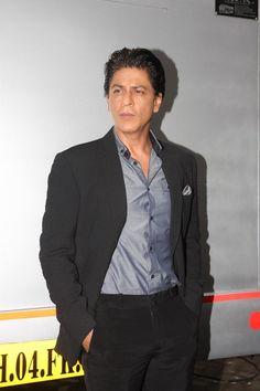 Shahrukh Khan Promoting Chennai Express on Madhubala TV Serial.