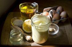 La ricetta genuina e leggera della maionese con lo yogurt, perfetta per i bimbi anche più piccoli: scopri con noi come si prepara.