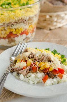 Mirabelkowy blog: Sałatka warstwowa z tuńczykiem Orzo, Tex Mex, Cobb Salad, Grains, Salads, Food And Drink, Rice, Recipes, Blog