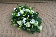 Grafstuk zelf maken All Saints Day, Arte Floral, Funeral, Natural, Floral Design, Centerpieces, Flowers, Plants, November