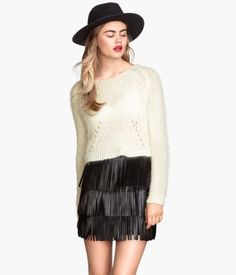 i'm really into fringe right now apparently. Gotta buy some pieces to introduce to my wardrobe. I was in need of some polished night life outfits.
