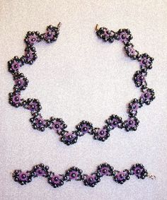 Free pattern for necklace and bracelet Charlize.   U need:    round beads 3-4mm    seed beads 11/0