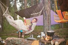 I could go for this right about now... Cool night, warm campfire, hot coffee, a great book.