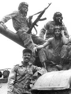 Cuban 'Tanquistas' are pictured on a tank in Angola. Fidel Castro sent tens of thousands of troops when oil-giant Angola became embroiled in a proxy war between the United States and Russia who were vying for Cold War supremacy Cuban Army, Soviet Army, Interesting History, African History, Vietnam War, Cold War, South Africa, Pictures, Photos