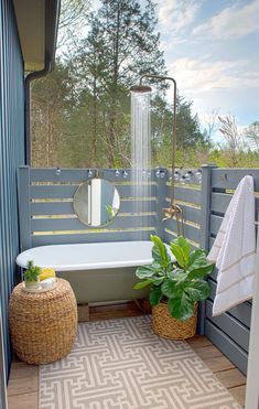 15 Most Popular Outdoor Bathroom Design Ideas You Have To See - Home and Camper Outside Showers, Outdoor Bathroom Design, Outdoor Bathtub, Outdoor Decor, Diy Outdoor, Outdoor Rooms, Popular Outdoor, House, Outdoor Baths