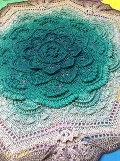 theguywiththehook's Mandala madness with scheepjes whirl - Knitting patterns, knitting designs, knitting for beginners. Crochet Bedspread Pattern, Crochet Mandala Pattern, Crochet Circles, Crochet Stitches Patterns, Crochet Doilies, Crochet Yarn, Knitting Patterns, Crochet Cozy, Crochet Afghans