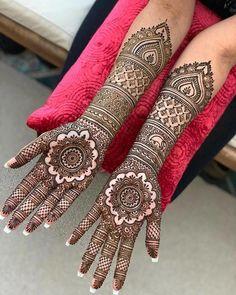 Henna Hand Designs, Dulhan Mehndi Designs, Mehandi Designs, Karva Chauth Mehndi Designs, Mehndi Designs Finger, Wedding Henna Designs, Indian Henna Designs, Engagement Mehndi Designs, Latest Bridal Mehndi Designs