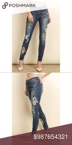 """⭐️COMING SOON⭐️ FLORAL EMBROIDERED SKINNY PANTS  ▫️To be notified, sign up for my VIP list under """"NEW ARRIVALS Jeans Skinny"""