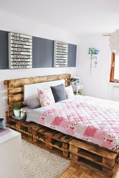 Diy pallet bed pallet bed best pallet bed frames ideas on pallet beds bed diy pallet . Pallet Bed Frames, Diy Pallet Bed, Wooden Pallet Furniture, Pallet Wood, Pallet Bench, Outdoor Pallet, Pallett Bed, Bed Pallets, Pallet Seating