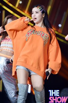 Check out Mamamoo @ Iomoio Street Style Outfits, Hipster Outfits, Kpop Outfits, Girl Outfits, Cute Outfits, Fashion Outfits, Mamamoo Solar, Stage Outfits, Dance Outfits
