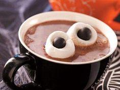 Delicioso Chocolate Caliente con ojos para Halloween