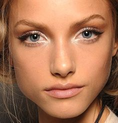 love this simple makeup.  would even be pretty with a pop of color on the lips.
