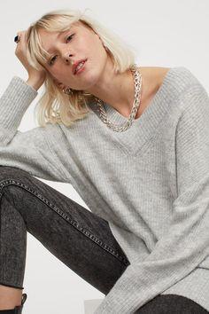 V-Pullover aus Wollmischung - Hellgraumeliert - Ladies | H&M DE