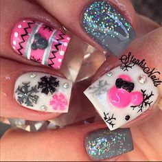 Mickey Minnie Mouse Snowflake nails