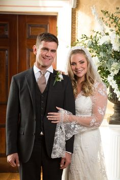 'EastEnders' Spoilers: Ronnie Mitchell And Jack Branning Wedding Pictures Revealed Eastenders Cast, Eastenders Spoilers, Ronnie Mitchell, Wedding Looks, Dream Wedding, Wedding Band, Samantha Womack, Wedding Movies, Cheap Wedding Venues