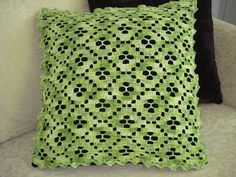 Almofada-croche-verde-mesclada