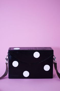 handmade wooden bag Wooden Bag, Handmade Wooden, Wearing Black, How To Wear, Bags, Cots, Figurine, Handbags, Bag