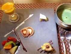 Our Kaiseki course dinner finishes with this pretty dessert & Maccha green tea. #gokokusushi #honolulu #hawaiikai #kokomarina #dessert #sweets #kaiseki #japanesesweets #wagashi #maccha #greentea #hawaiisbestkitchens #ateohateplates #foodpics #foodie #ハワイ by gokokusushi