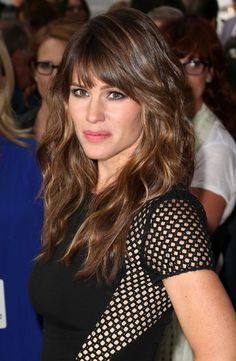 Check out these 17 images of Jennifer Garner Hair Color Ideas (Highlights, Balayage & Brunette Hues). Hair Styles 2016, Medium Hair Styles, Curly Hair Styles, 2015 Hairstyles, Hairstyles With Bangs, Celebrity Hairstyles, Hairstyle Ideas, Casual Hairstyles, Braided Hairstyles
