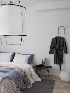 Blooc Patio house, bedroom with kimono