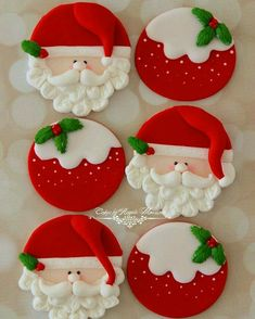 Christmas Angel Crafts, Quilted Christmas Ornaments, Felt Christmas Decorations, Xmas Crafts, Felt Ornaments, Felt Crafts, Handmade Christmas, Diy And Crafts, Christmas Stage Design