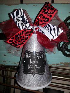 use same ribbon material as in girls bows? Cheerleading Spirit Gifts, Cheer Megaphone, Cheer Spirit, Football Cheer, Cheer Gifts, Cheer Bows, Football Birthday, Youth Cheer, Cheer Camp