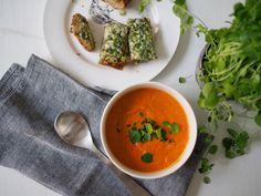 Tomaatti-linssi-keitto