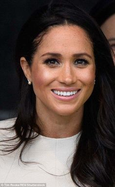 In another nod to her growing friendship with the Queen, the Duchess wore a pair of delica...