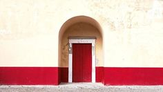 Why do people prefer deep-red color for the front door? Is it the best Feng Shui color for the front door? via @FengShuiNexus