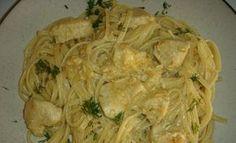 Δοκιμάστε αυτό το απλό φαγάκι ~ το γιαούρτι δένει ωραιότατα με την μουστάρδα και δίνουν μια μυρωδάτη σαλτσούλα που πάει εξαιρετικά με τα ζυμ... Greek Recipes, Desert Recipes, Chicken Recipes, Cabbage, I Am Awesome, Spaghetti, Food Porn, Food And Drink