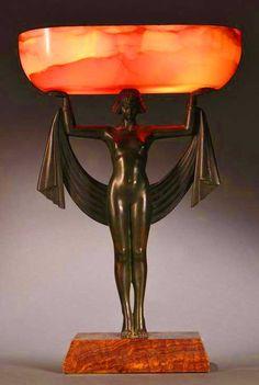 유 Illuminating Lamps 유 Fanny Rozet Art Deco Bronze and Onyx Table Lamp