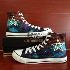 Five-Pointed Star Galaxy Nebula Converse Hand Painted Canvas Sneaker Creative Shoes, Unique Shoes, Sock Shoes, Shoe Boots, Sneakers Fashion, Fashion Shoes, Minimal Shoes, Galaxy Shoes, Painted Canvas Shoes
