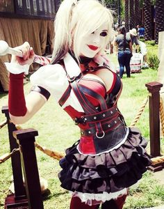 Character: Harley Quinn (Dr. Harleen Quinzel) / From: Warner Bros. Interactive Entertainment's 'Batman: Arkham Knight' Video Game / Cosplayer: Jessica Nigri