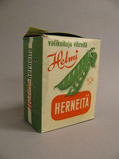 Kuukauden esine - Pohjois-Nokian hernepakkaamossa pakattiin herneitä Helmi-nimikkeellä vuosina 1954–1965. Pohjanmaan museo - Oulun kaupunki, Suomi
