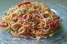 How to make Indian Hakka Noodles (Chowmein) - Indian Recipes, Vegetarian Recipes