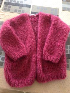 Bernadette vest Veerle Crochet Bebe, Knit Crochet, Pull Mohair, Stitch Fit, Mohair Sweater, Knit Fashion, Knitting Designs, Boho Outfits, Pulls
