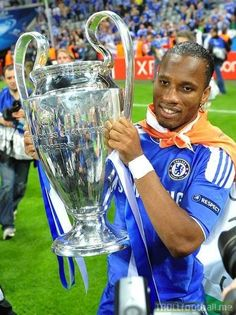 😢 Didier Drogba officially retires from football. Chelsea Football Team, Sport Football, Football Players, Football Troll, Football Pictures, Chelsea Fc Wallpaper, Fc Chelsea, Fa Cup, Man United
