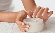 Para unhas mais saudáveis e bonitas, uma pausa nos esmaltes e detox! - http://eleganteonline.com.br/para-unhas-mais-saudaveis-e-bonitas-uma-pausa-nos-esmaltes-e-detox/