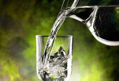 Los beneficios de beber agua al despertarse