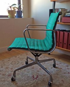 Vintage Herman Miller aluminum Group desk chair in green wool. : herman miller aluminum group chair - Cheerinfomania.Com
