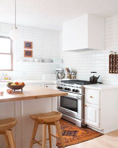 White and Wood Kitchen - pinned by www.youngandmerri.com