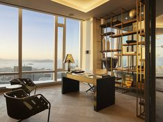 Photos: The most expensive home in San Francisco, 181 Fremont penthouse - Curbed SF Luxury Penthouse, Luxury Condo, Luxury Homes, Contemporary Home Offices, Contemporary Bathrooms, Suite Principal, Luxury Office, Modern Office Design, Expensive Houses